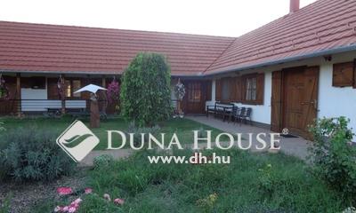 Eladó Ház, Bács-Kiskun megye, Felsőlajos, Tanyacsárda közelében vendégház eladó