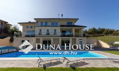 Eladó Ház, Pest megye, Tinnye, Minimal stílus,medence,teniszpálya,Piliscs mellett