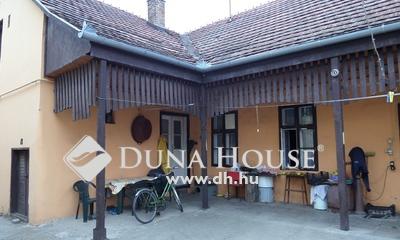 Eladó Ház, Pest megye, Nagykőrös, Kis udvaros felújítandó, 85 nm-es családi ház
