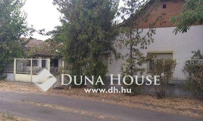Eladó Ház, Bács-Kiskun megye, Kiskunfélegyháza, Szabó-hegy, kétő+félszobá ház, mellék épülettel