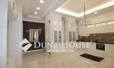 Eladó Lakás, Budapest, 5 kerület, Erkélyes luxuslakás Dunára kilátással.