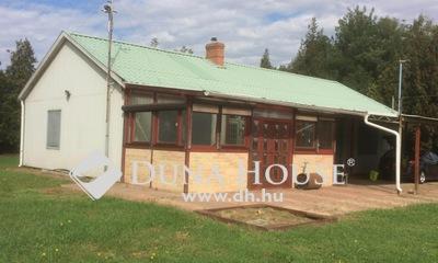 Eladó Ipari ingatlan, Bács-Kiskun megye, Kecskemét, Repülőtér közelében