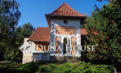 Eladó Ház, Bács-Kiskun megye, Helvécia, Családi ház halastóval az iskola mellett