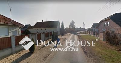 Eladó Telek, Hajdú-Bihar megye, Debrecen, 1206 m2-es közművesített építési telek eladó