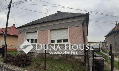 Eladó Ház, Győr-Moson-Sopron megye, Öttevény, Családi ház panel áráért!