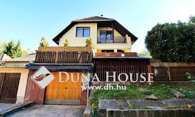 Eladó Ház, Komárom-Esztergom megye, Tatabánya, Kedvelt környéken 3 szintes családi ház