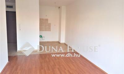 Kiadó Lakás, Budapest, 20 kerület, Konyhabútor nélküli másfél szobás, erkélyes lakás