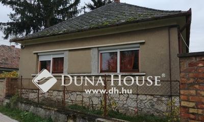 Eladó Ház, Veszprém megye, Pápateszér, Központhoz közel