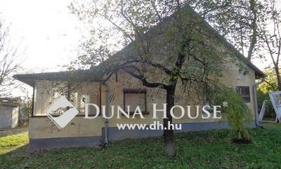 Eladó Ház, Bács-Kiskun megye, Nyárlőrinc, 44 főút mellett fürdőszobás tanya eladó