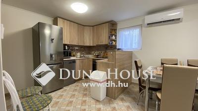 Eladó Ház, Győr-Moson-Sopron megye, Győr, Győr zárt kerti 4 szobás családi ház,760m2 udvar