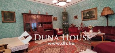 Eladó Ház, Komárom-Esztergom megye, Esztergom, Bazilika parkoló