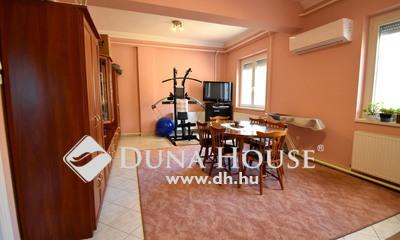 Eladó Ház, Pest megye, Nagykőrös, 216m2-es ház 130m2-es műhellyel 1 hektár területen