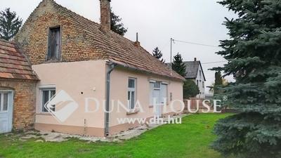 Eladó Ház, Győr-Moson-Sopron megye, Veszprémvarsány, központhoz közel, a nagy lehetőségek háza