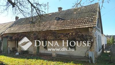 Eladó Ház, Komárom-Esztergom megye, Réde, tornácos parasztház nagy lehetőségekkel