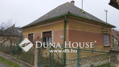 Eladó Ház, Veszprém megye, Bakonyoszlop, Főút mentén, a nagy lehetőségek háza