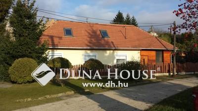 Eladó Ház, Komárom-Esztergom megye, Súr, Súr csendes utcájában