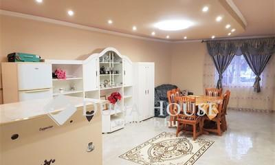 Eladó Ház, Komárom-Esztergom megye, Esztergom, Szép környék,Dunához közeli