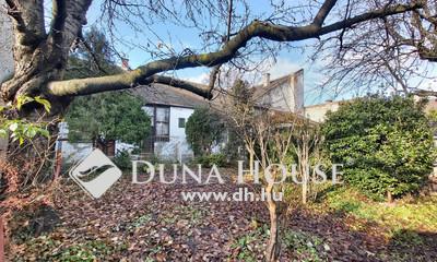 Eladó Ház, Budapest, 15 kerület, 15. ker. Önálló ház, 181nm, 550nm telken.