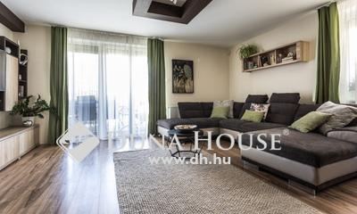 Eladó Ház, Baranya megye, Pécs, 'Újszerű modern otthon nagy kerttel'