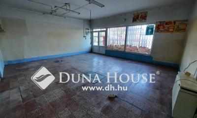 Eladó Ház, Bács-Kiskun megye, Kiskunfélegyháza, Üzlethelyiség + lakóingatlan a Kossuthvárosban