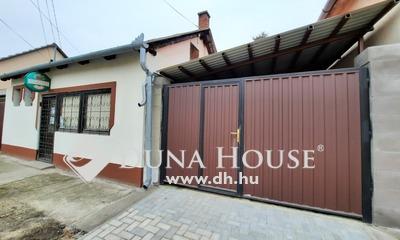 Eladó Iroda, Bács-Kiskun megye, Kiskunfélegyháza, Belvárosi 44 m2-es üzlethelyiség befektetésnek