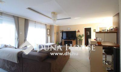 Eladó Lakás, Budapest, 2 kerület, Zöldmálon újszerű lakás, SAJÁT TETŐTERASSZAL!