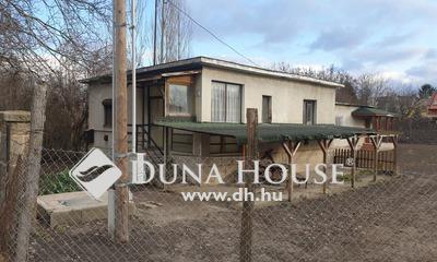 Eladó Ház, Budapest, 3 kerület, Csendes, Zöld környezet